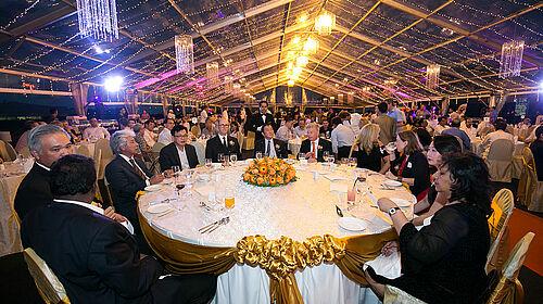 Foto di meja tamu kehormatan